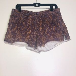 NWOT Size 28 Distressed/fringe Free People shorts